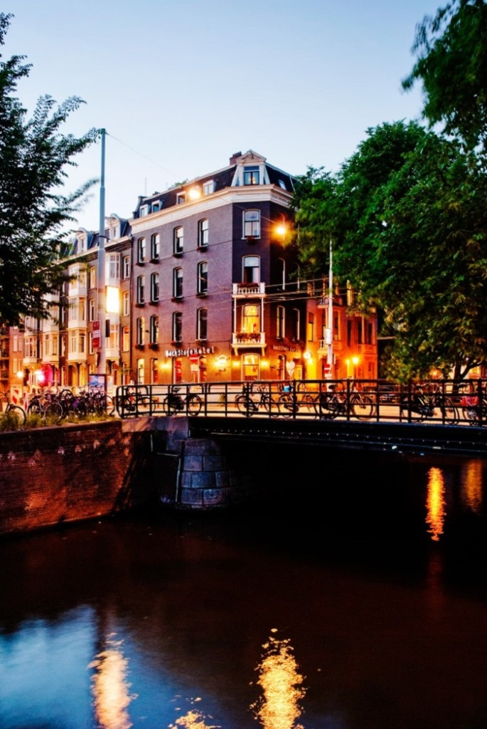 01 BackStage hotel amsterdam canal view