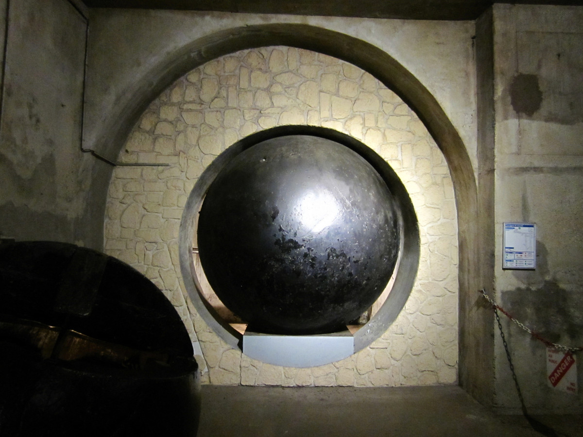 Paris-Sewer-Museum-Sewer-Cleaning-Ball1