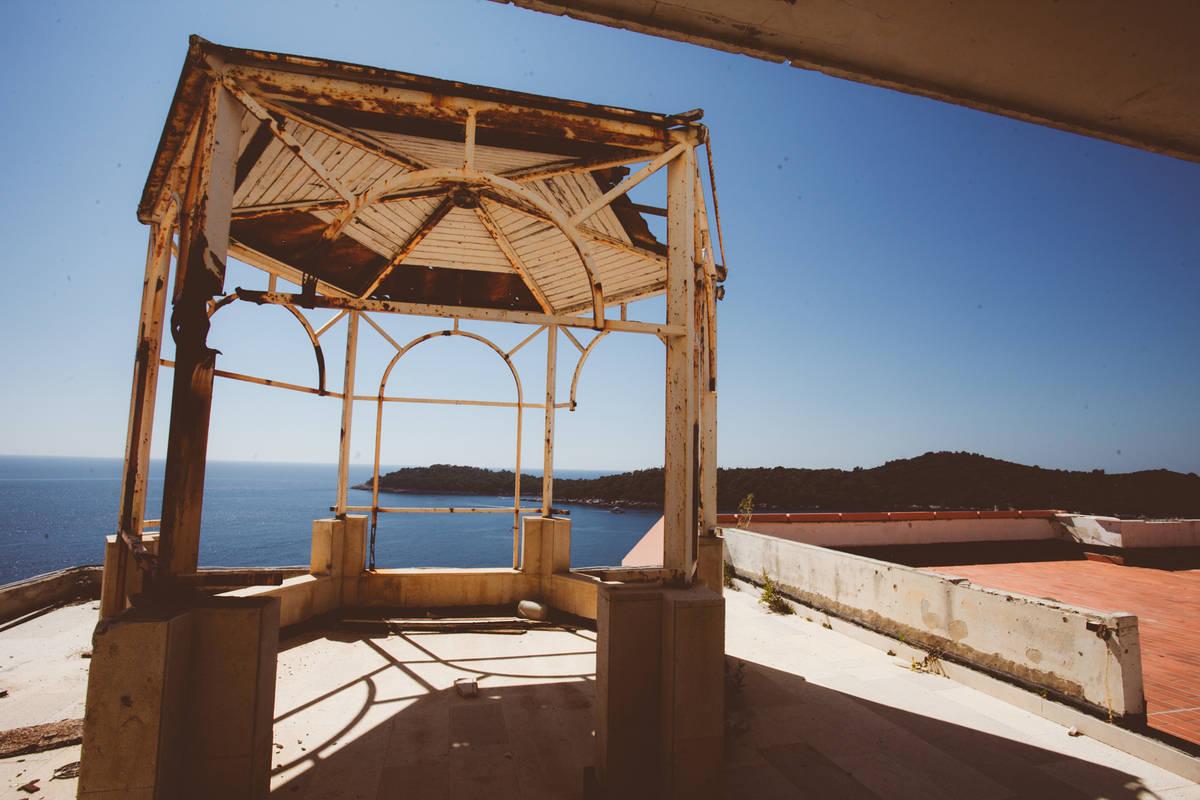 abandoned hotel belvedere dubrovnik (7)