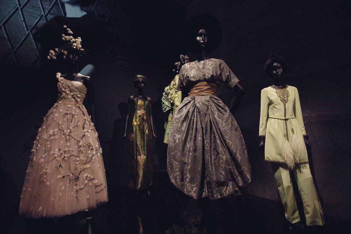 Christian Dior Designer Of Dreams Victoria & Albert London